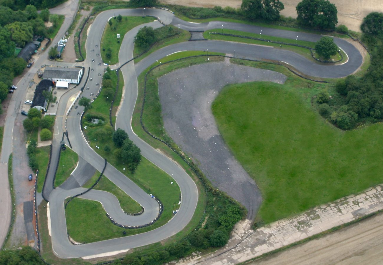 900M Floodlit outdoor go karting track at Stretton Circuit